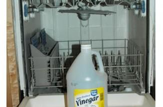 Use Vinegar as Dishwasher Rinse Agent