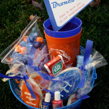 happy thoughts: Sports team gift to welcome new neighbor