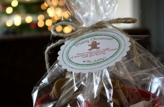 gingerbread man cookie Christmas gift