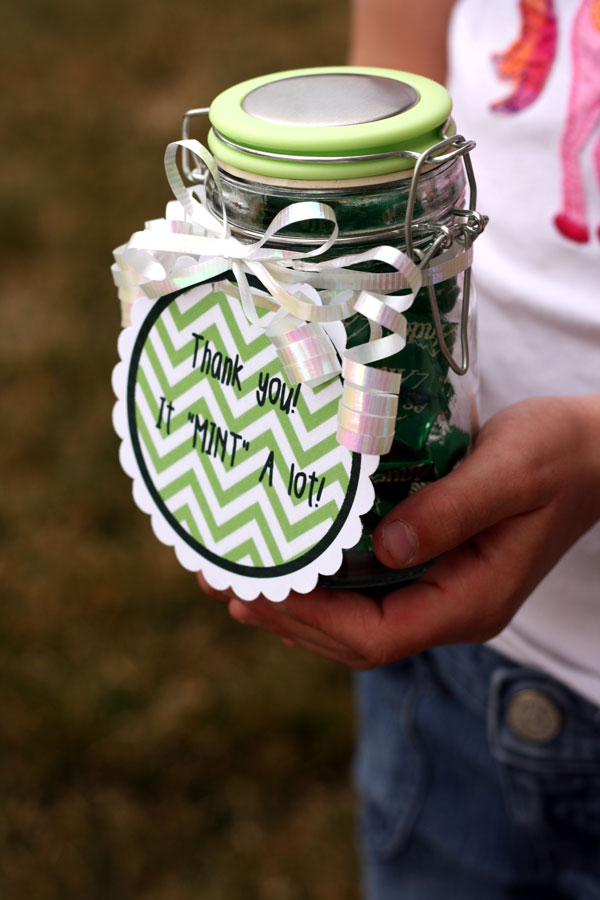"This is a great way to say thank you so someone without breaking the bank. Take a jar, add some mints and last add the free tag that says ""Thank You, It Mint A Lot""."