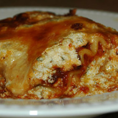 My Homemade Easy Lasagna Recipe {Because store-bought is YUCK!}