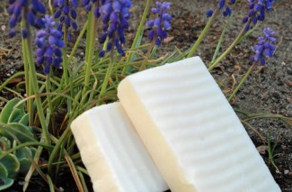 Happy Homesteading: Making Homemade Soap