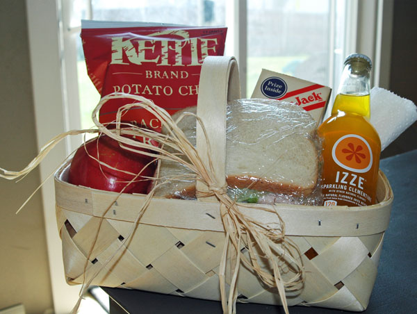 A Picnic Lunch Basket | Happy Thoughts  (thoughtful idea to do for a friend, teacher, or your husband!)  happymoneysaver.com