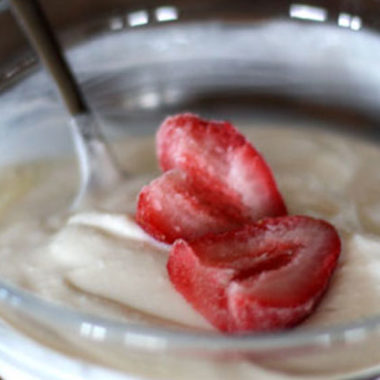 Homemade Greek Yogurt {My life will never be the same}