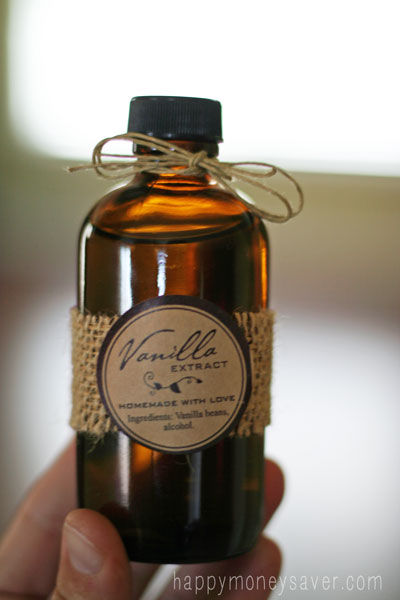 Homemade Vanilla Extract is so easy. Would make a wonderful homemade ...