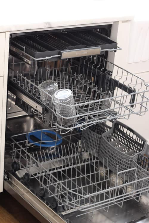 How to Clean Your Dishwasher with these 3 easy steps!