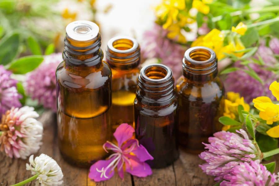 The power of amazing essential oils - sharing my favorite recipes on this post. happymoneysaver.com