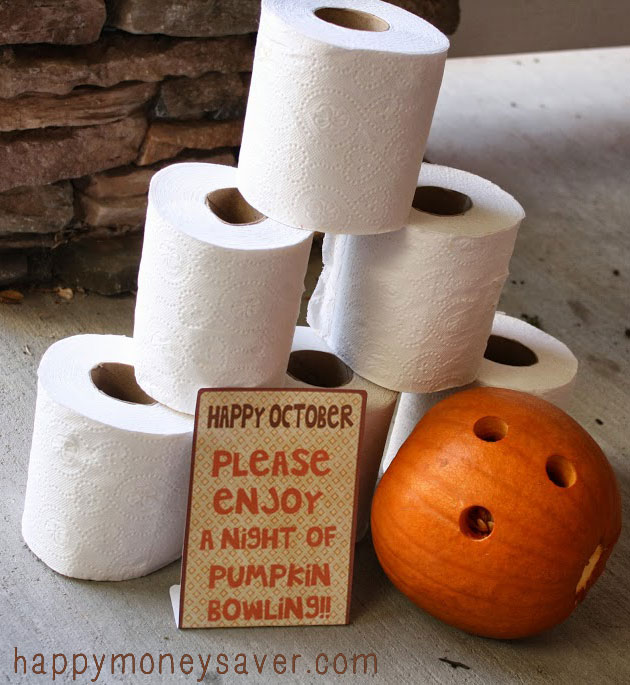 Love this fun family idea of Pumpkin Bowling as a family and then delivering some to friends doorsteps with the Free printable attatched.