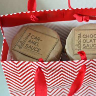 Homemade Caramel & Chocolate Sauce in a Jar Gift (+ Free printable tag)