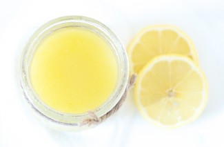 When life gives you lemons—EXFOLIATE! Homemade Lemon Exfoliator
