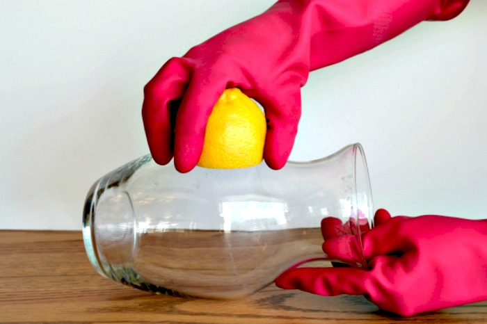 Different ways to use lemons at home!