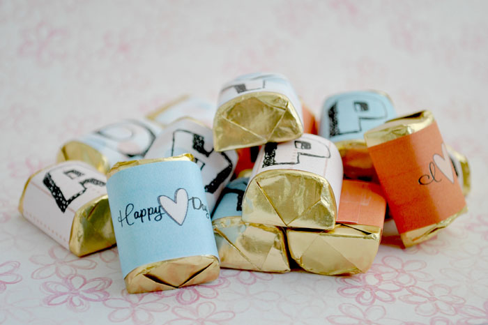 Gift idea for Valentine's Day using Hershey nuggets for a candy bar card #happythoughts # Valentines