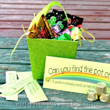 Here is a great idea to speak your day with a St. Patrick's Day holiday treasure hunt! #happythoughts #treasurehunt