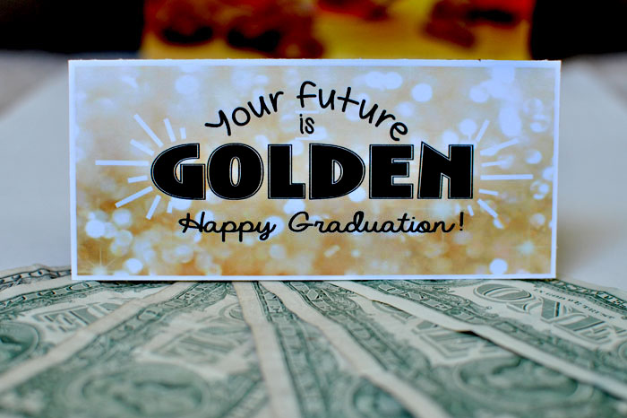 Wrap up some money and cleverly give it to a graduate using my GOLDEN graduation gift idea. #happythoughts #happygraduation