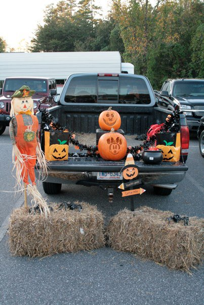 15 Thrifty Trunk Or Treat Decorating Ideas Happy Money Saver