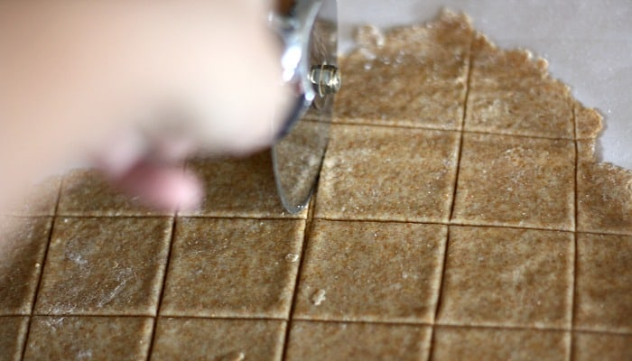 Make Your Own Crackers Homemade Wheat Thins