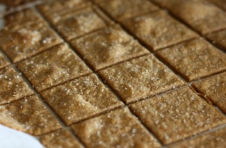 Make Your Own Crackers – Homemade Wheat Thins
