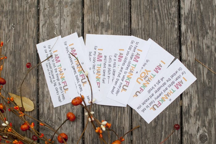 There are free printable clues to have your kiddos help out around the house. Use this Service Treasure Hunt and you won't regret it! #happythoughts #treasurehunt #thankful
