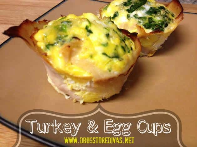Turkey and Egg Cups Adding leftover Thanksgiving Turkey to a breakfast idea? Now that is genius!