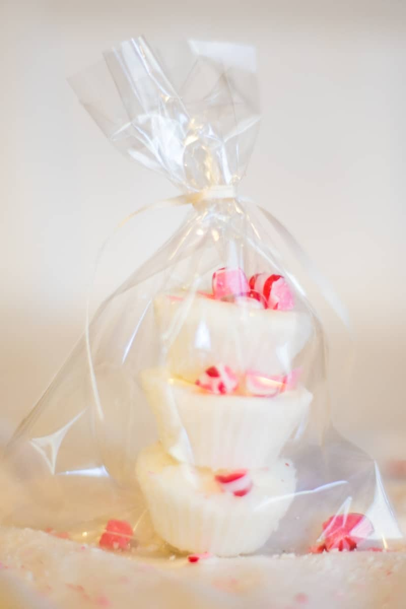 I want this! Candy Cane bath bombs sound like a fantastic idea to add to a nice warm bubble bath!