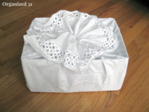 This is so unique and a quick way to make a gift bag!