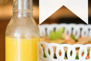 This homemade vinaigrette dressing is THE best. 5 simple ingredients, healthy, and extra tasty. Homemade for the win!