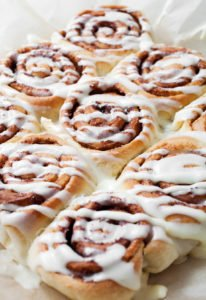 happymoneysaver.com | This easy cinnamon roll recipe is delicious. I'm going to make them the week before and freeze so they are ready to pop in the oven anytime!