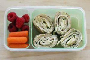 Turkey Pesto Pinwheels Bento box lunch idea - these pinwheels are so tasty and healhty! Made with organic ingred
