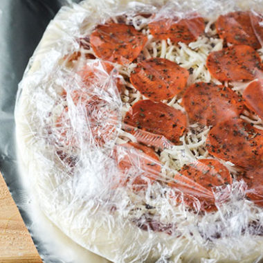 Freezer Meal Pizza | happymoneysaver.com