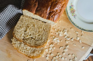 Homemade Country Oatmeal Bread Recipe to Drool Over