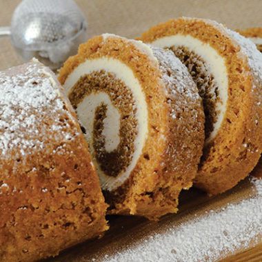 Easy Pumpkin Roll Recipe for the Holidays!