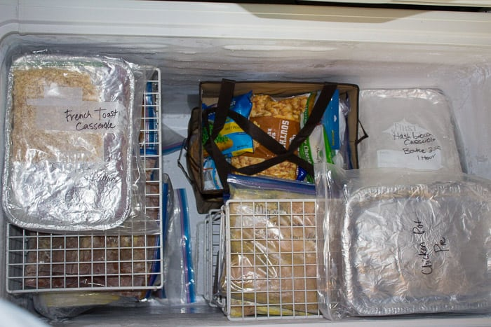 10 GENIUS ways to organize your freezer meals! There are some amazing tips here! Great for chest freezers and upright ones too!