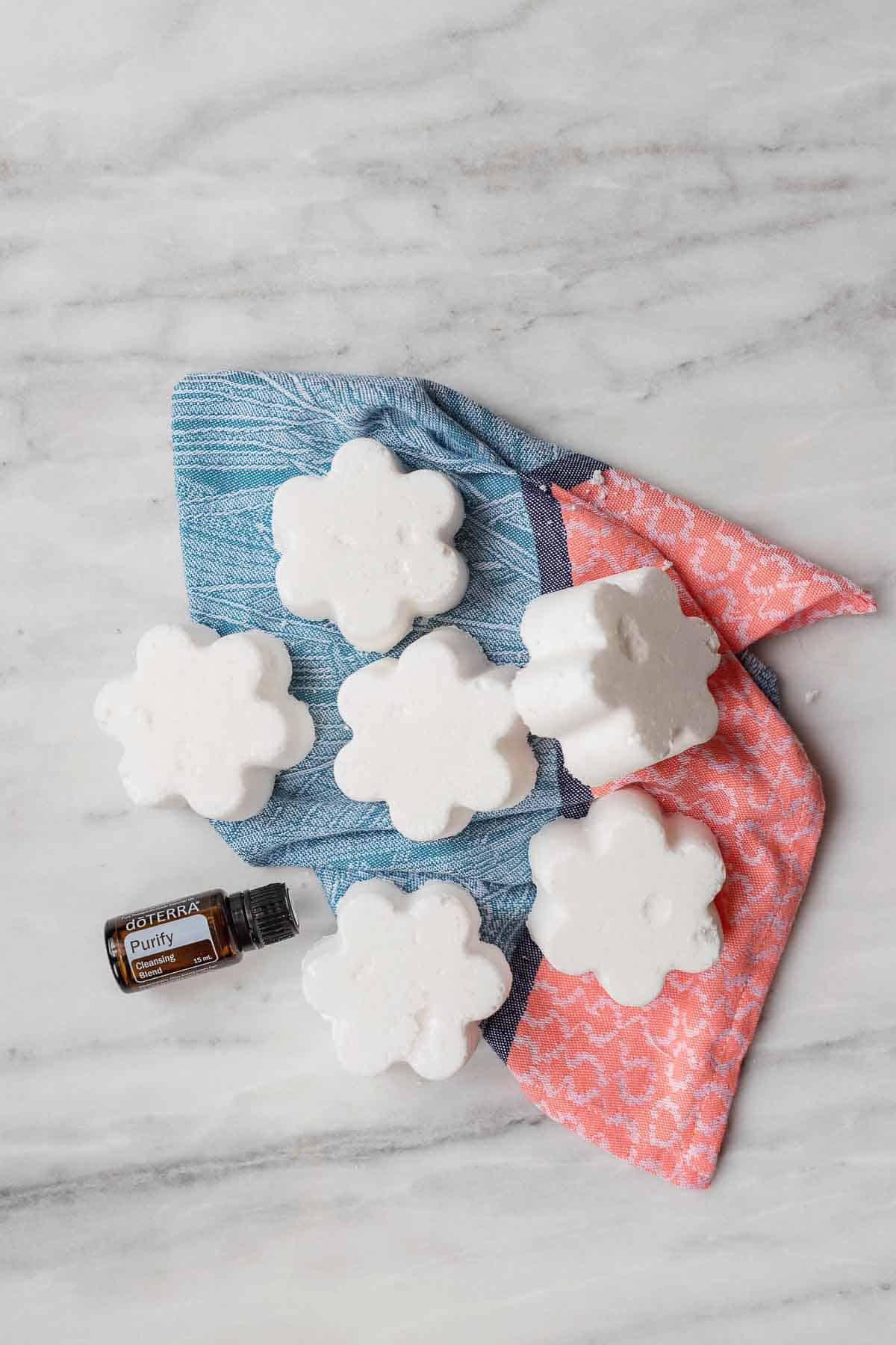 Who knew that cleaning the toilet could be fun?! With these DIY Toilet Cleaning Bombs, cleaning the toilet will be one of the best chores in the house.