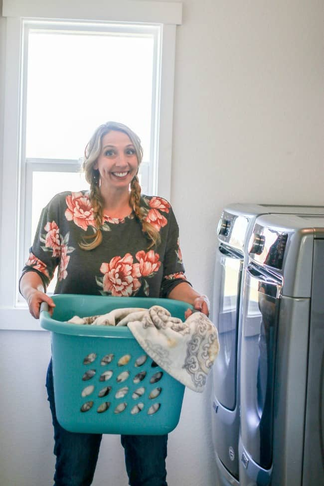 How To Choose A Washer & Dryer Set + My review on my Maytag laundry set I picked!