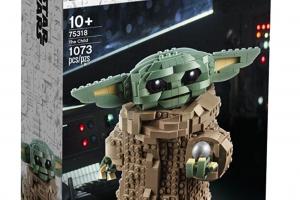 baby yoda lego set in a box